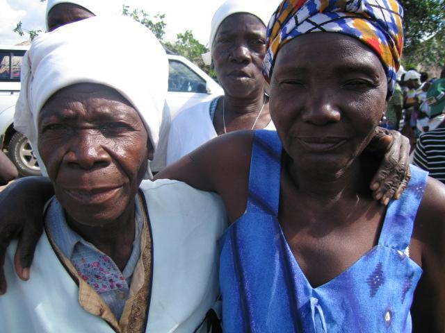 Malawi 2010 Women visit 077