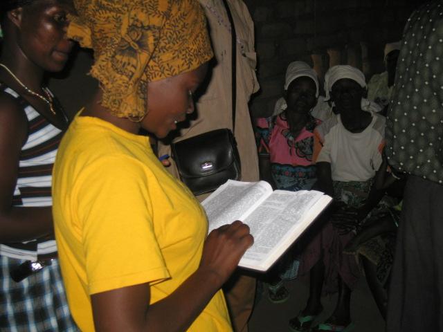 Malawi 2010 Women visit 245